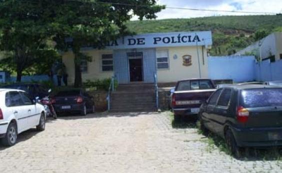Campo Formoso: polícia controla rebelião após presos incendiarem colchões