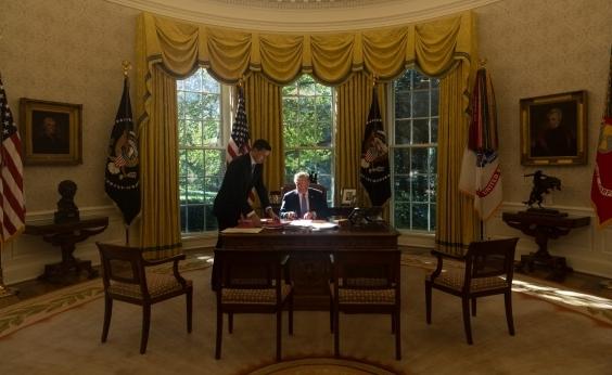 Senado consegue maioria para aprovar lei provisória e reabrir governo