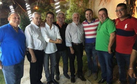 Após provocações de Neto, Wagner ʹfuma cachimbo da pazʹ com PP e PR
