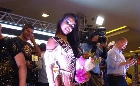 Princesa do carnaval de Juazeiro denuncia jurado de concurso por injúria racial