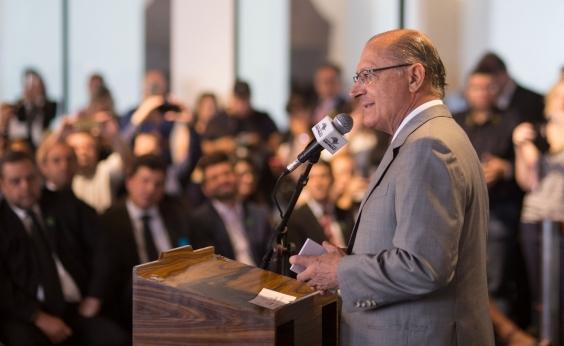 ʹVamos derrotar o PT, seja quem for o candidatoʹ, diz Alckmin