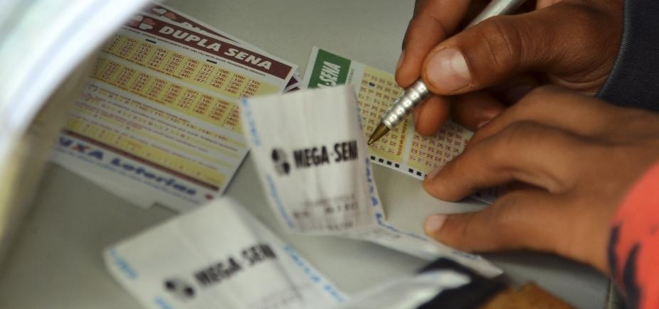 [Mega-Sena: sorteio nesta terça-feira pode pagar prêmio de R$ 56 milhões ]