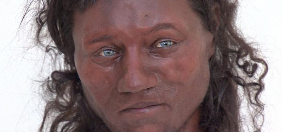 [Estudo de fóssil revela britânicos negros e de olhos azuis há 10 mil anos]