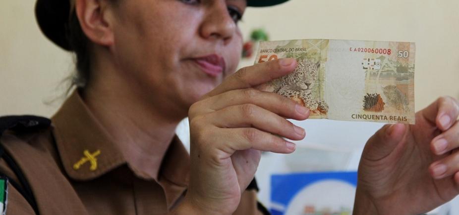 [Turistas são presos ao tentar comprar bebidas com dinheiro falso em Belmonte ]