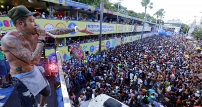 Kannário acusa PM de violência e diz que Neto dá moral a ʹbunda moleʹ