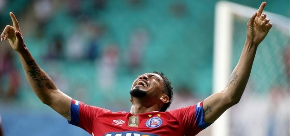 [Hernane desembarca em Porto Alegre para assinar com o Grêmio]