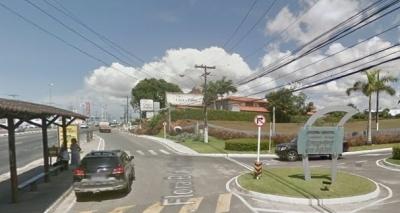 Polícia recupera carro roubado em Lauro de Freitas