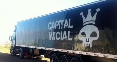 Durante tiroteio, ônibus da banda Capital Inicial sofre tentativa de assalto