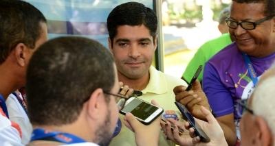 ʹNão cabe ao prefeito obrigar o folião a irʹ, diz Neto sobre diminuição dos blocos