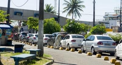 Ferry: motorista espera cerca de 2 horas para embarcar em Bom Despacho