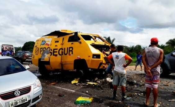 Grupo armado explode carro-forte em Jacobina