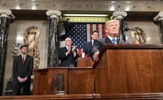 Justiça dos EUA indicia 13 russos por interferência na eleição de Trump