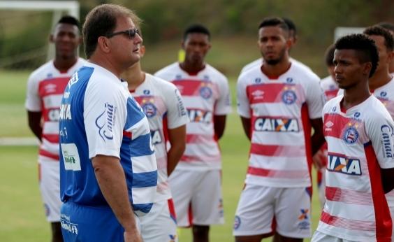 Guto quer foco do Bahia na bola parada do Vitória