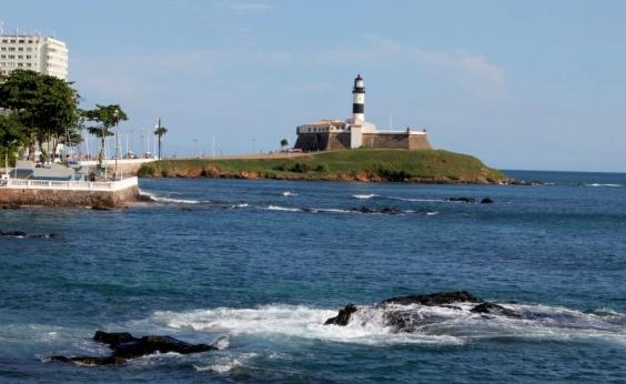Farol da Barra, Itapuã e outras 12 praias estão impróprias para o banho neste fim de semana