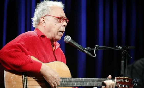 Cantor e compositor Jards Macalé é internado em São Paulo