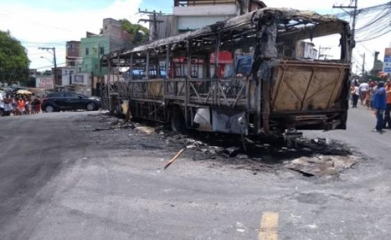 Ônibus voltam a circular em Sussuarana após incêndio a coletivo