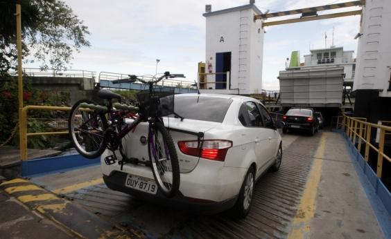Ferry: motoristas precisam esperar 3h para embarque em Bom Despacho
