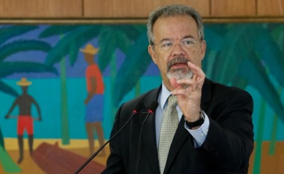 Lídice critica ministro da Defesa: ʹEgo, vaidade, besteira em cima de besteiraʹ