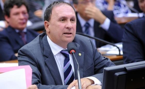 Gualberto teme ʹmudança de bandidosʹ do RJ e diz que apoiaria intervenção na BA