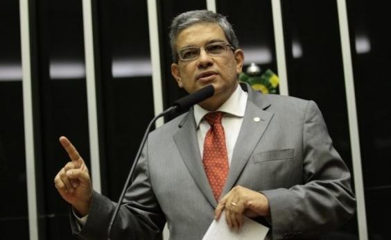 Deputado defende intervenção no Rio, mas reconhece: 'Não é ideal'