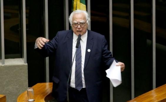 Miro Teixeira diz que intervenção no RJ era necessária, mas critica Temer