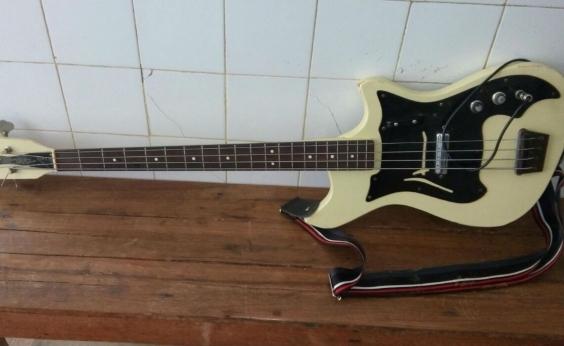 Polícia encontra instrumento musical roubado de Caetano