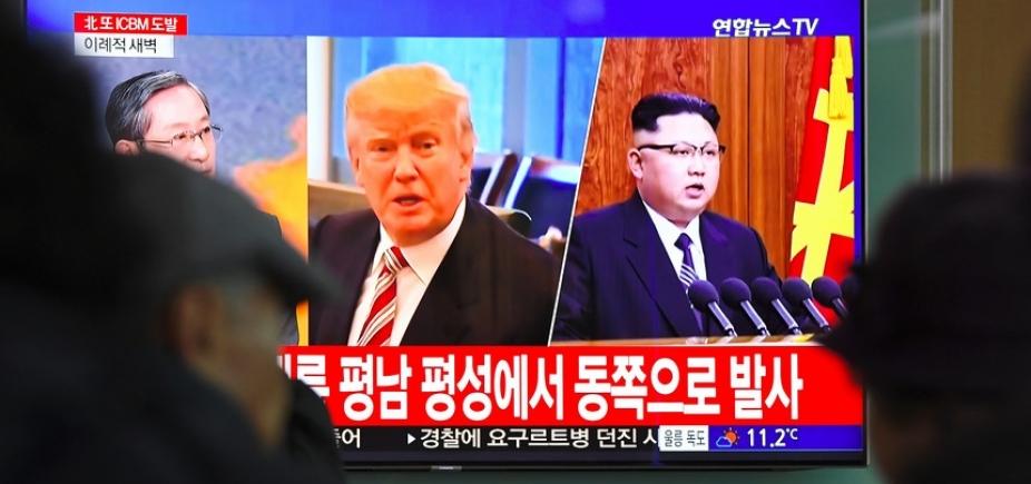 [Kim Jong-un e Trump marcam reunião ]