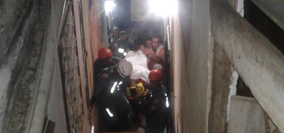 [Mulher fica soterrada após laje desabar em São Caetano]