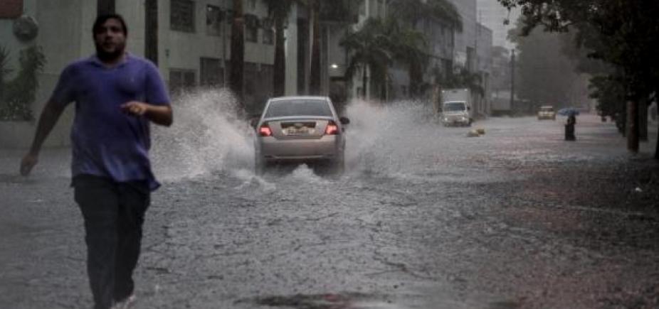 [Chuva deve continuar em Salvador até quarta; veja previsão ]