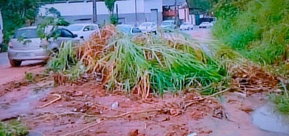 [Deslizamento de terra deixa trânsito lento em Cajazeiras]