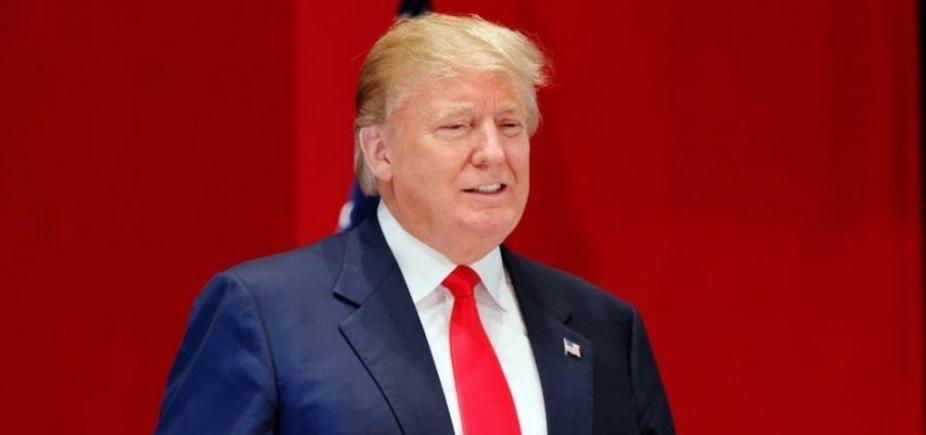 [Trump anuncia troca de secretário de estado pelo Twitter]