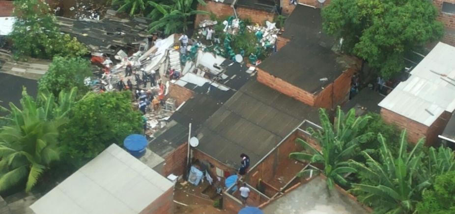 [Desabamento em Pituaçu: após tragédia, prefeitura vai embargar seis casas ]