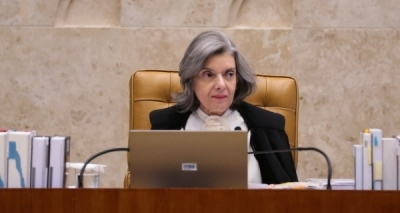 Cármen Lúcia diz que não vai se dobrar à pressão no caso da prisão de Lula