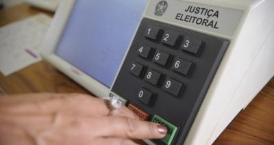 Brasileiro quer candidato de família pobre e crente em Deus, diz pesquisa