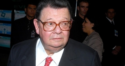 Banco Central bloqueia R$ 864 mil de Delfim Netto