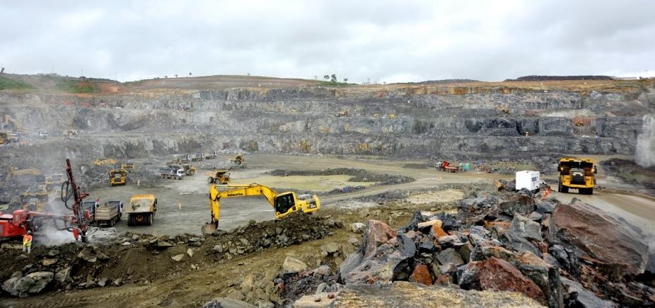 [Após morte de uma tonelada de peixes, turbinas de Belo Monte devem ser paradas]