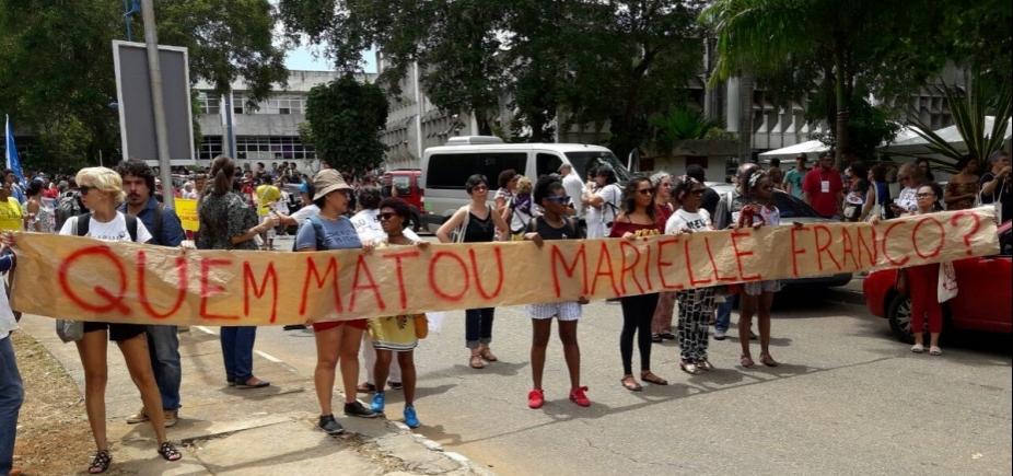 [Manifestantes marcham em Salvador em homenagem a vereadora assassinada]