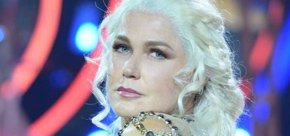 [Vestida de Daenerys, Xuxa dança tema de ʹGame Of Thronesʹ; assista]
