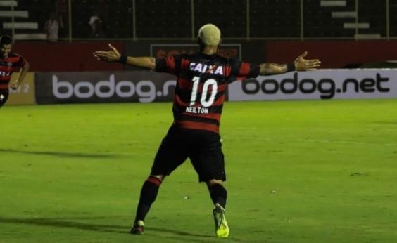 Neilton marca três, Vitória faz 3 a 0 no Bragantino e avança na Copa do Brasil