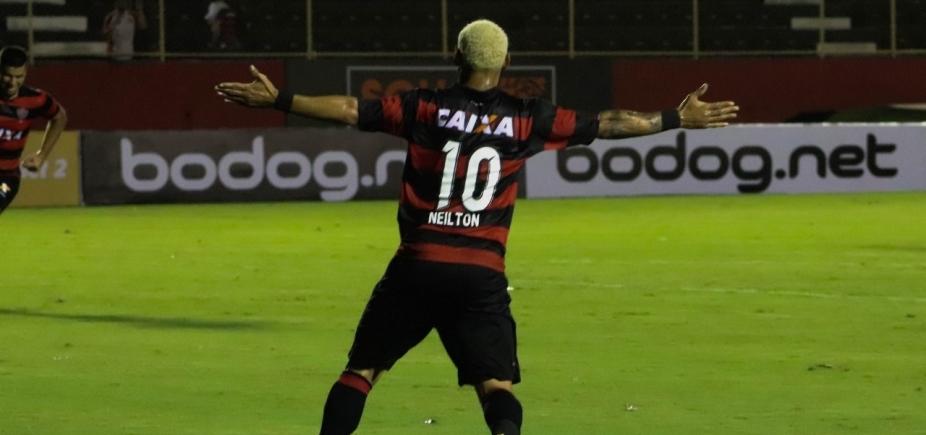 [Neilton marca três, Vitória faz 3 a 0 no Bragantino e avança na Copa do Brasil]
