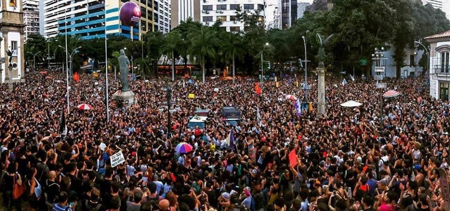 [Manifestações tomam conta do país após morte de vereadora e motorista ]