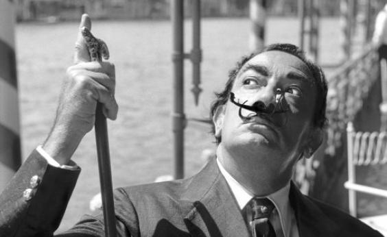 Corpo de Salvador Dalí retorna a museu após teste de DNA