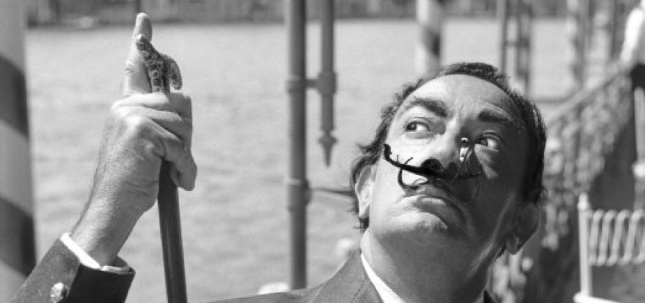 [Corpo de Salvador Dalí retorna a museu após teste de DNA]