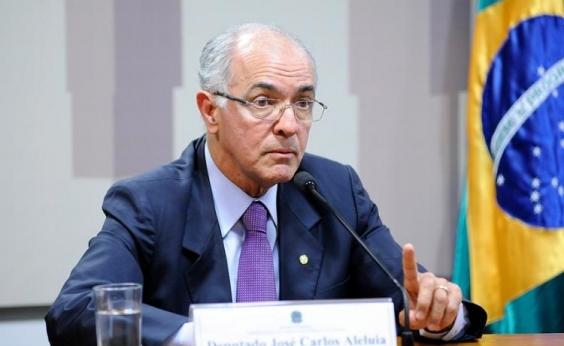 Deputado entra com medida contra novas regras de renovação da CNH