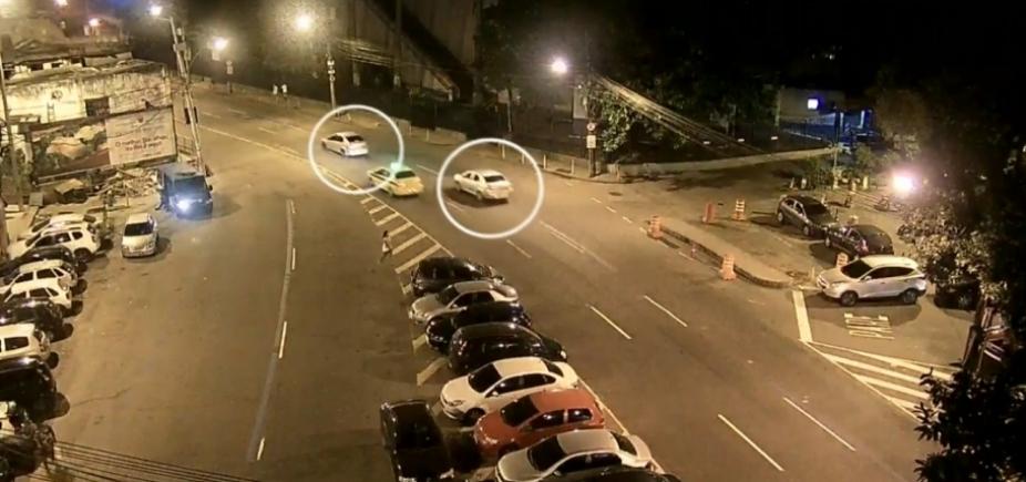 [Imagem mostra carro de Marielle Franco sendo seguido antes do assassinato no RJ]