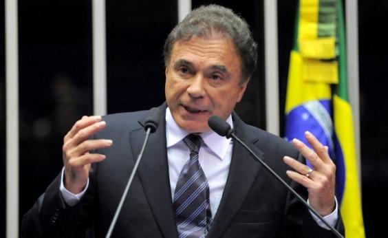 'Temer será julgado pelo povo', aposta Álvaro Dias