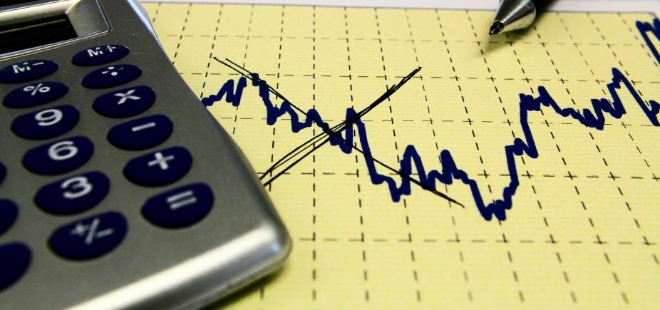 [ Investimentos diminuem 2,4% em janeiro diante dezembro]