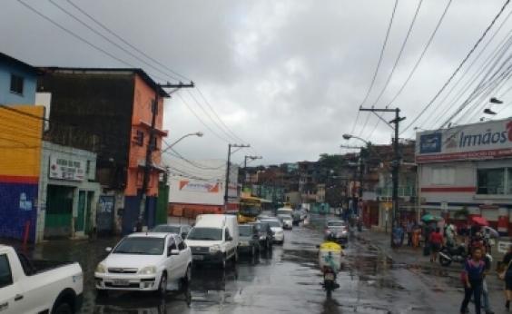 Chuva causa congestionamento em alguns pontos da cidade