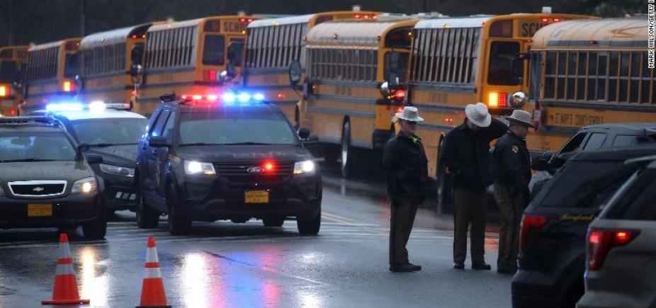 [Tiroteio em escola de Maryland deixa um morto e dois feridos]