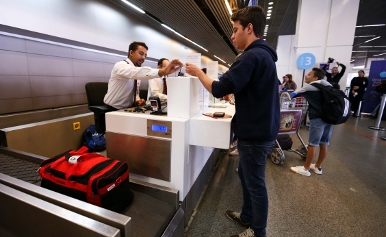 Preço da passagem se mantém estável após cobrança de bagagem